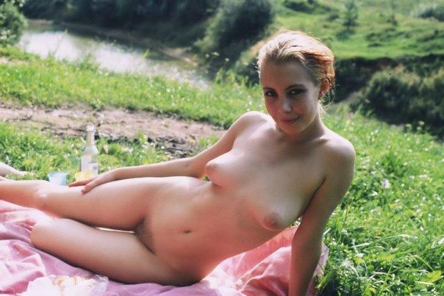 Секс на пляже в общественном месте фото — photo 10
