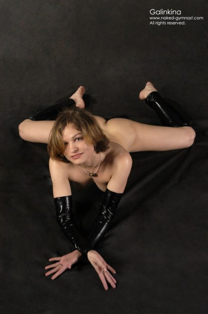 Порно гимнастки без трусов