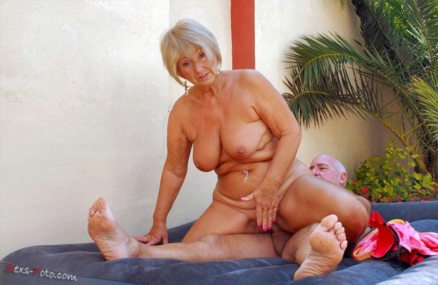 Порнозвезды возрасте секс в