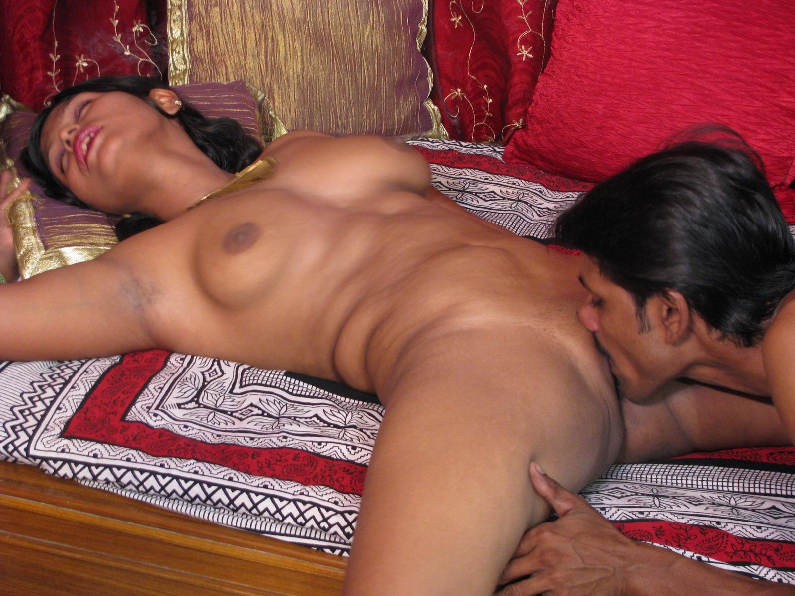 Смотреть бесплатно индийское порно пышных, Индийские толстушки - видео Bitch Flesh 13 фотография